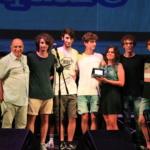 La consegna della targa-premio ai BlueBite (terzo posto)